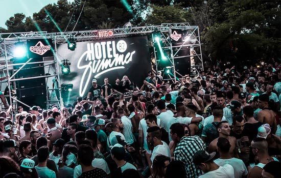 fiesta Amnesia presents goes to Valencia